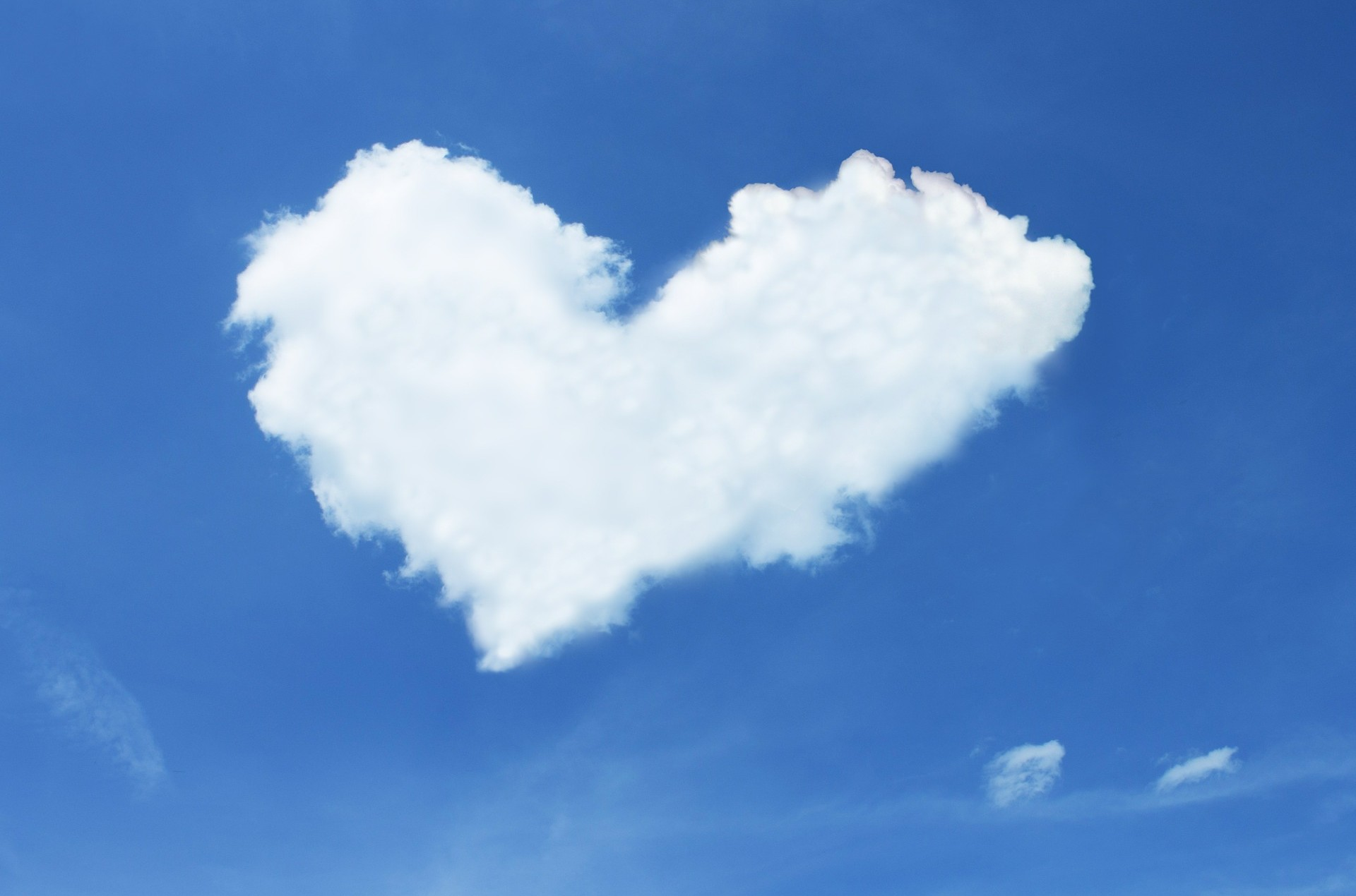 heart cloud-600224_1920